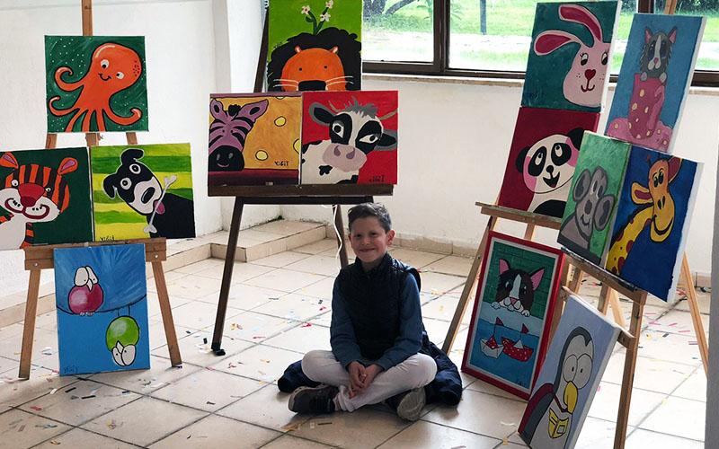 9 yaşındaki Yiğit'ten resim sergisi