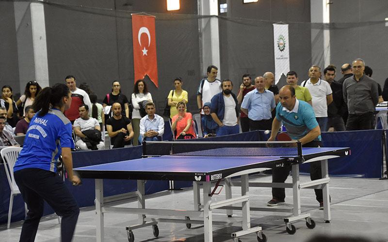 OSB Masa Tenisi Turnuvası'nda şampiyon PAÜ OSB Semt Polikliniği