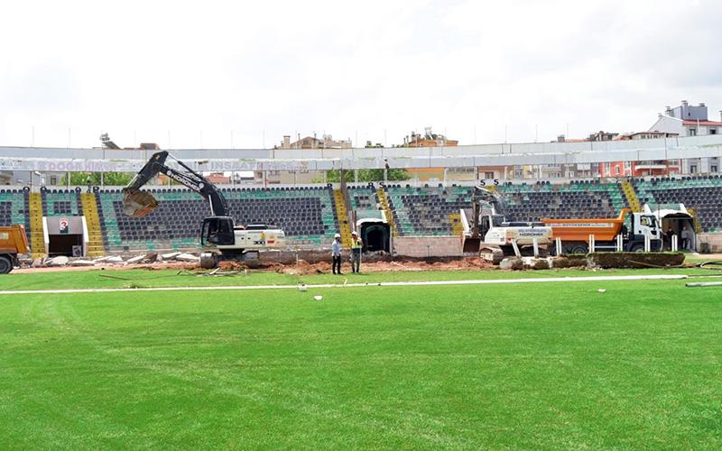 Atatürk Stadı'nda genişletme çalışması başladı
