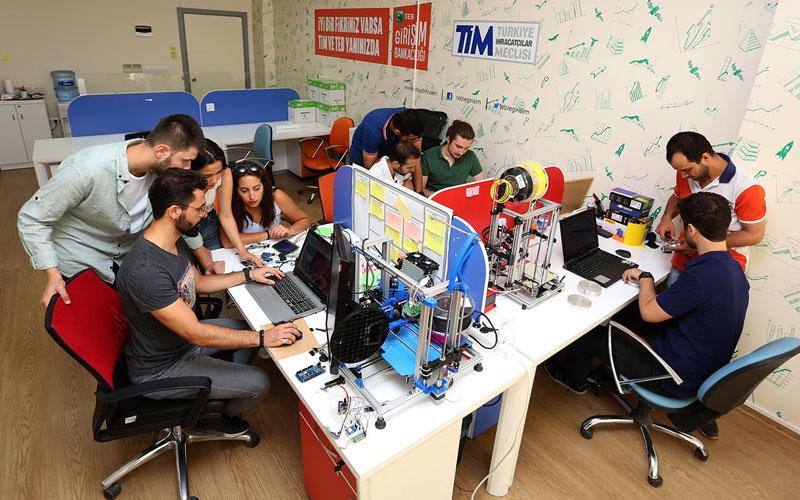 PAÜ'lü öğrenciler, projeleriyle Teknofest'te yarışacak