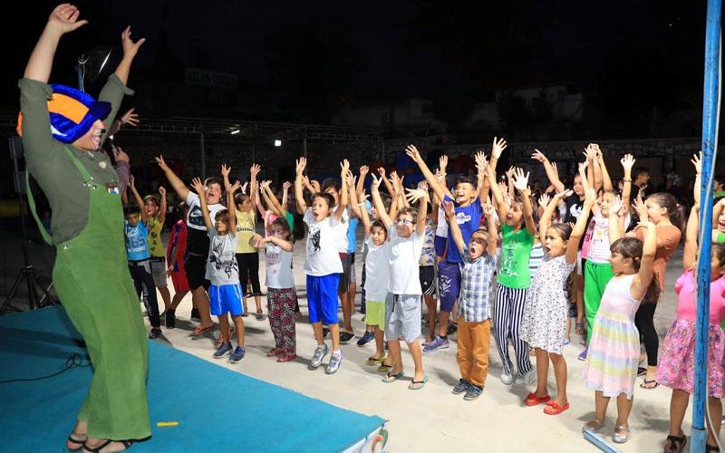 Pamukkaleli çocuklar Mahallemizde Şenlik Var ile eğlendi