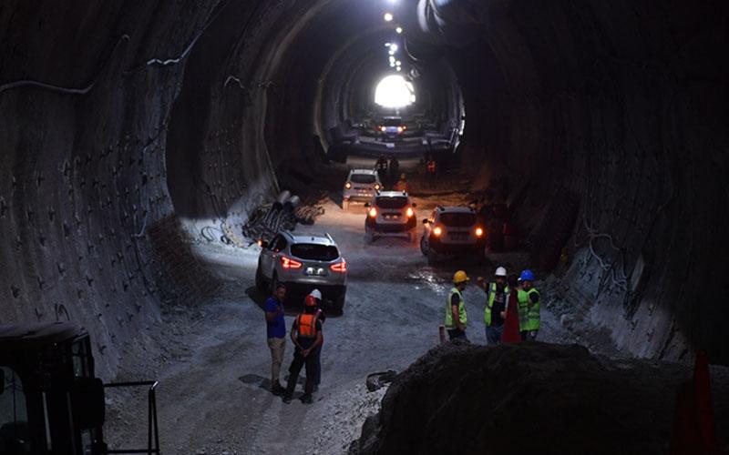 Vali Karahan, Honaz Tüneli'den geçti