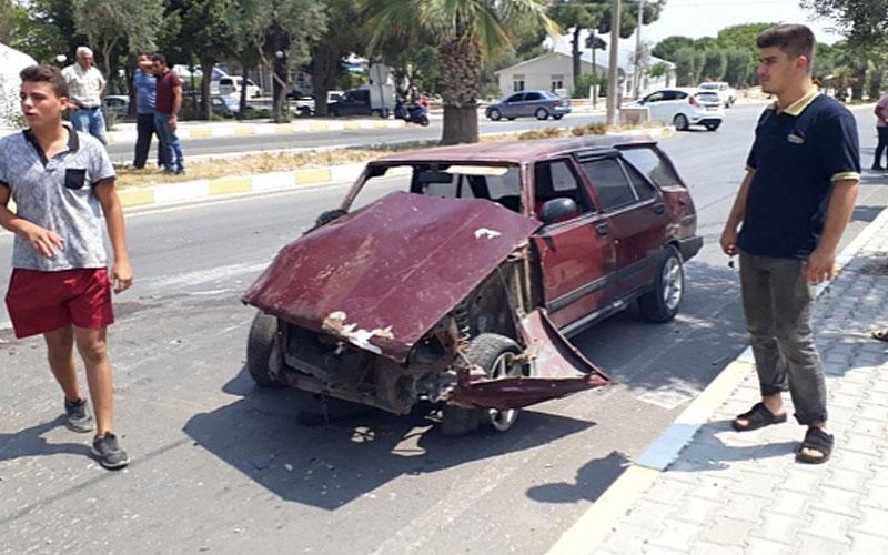 Otomobil elektrik direğini devirip karşı şeride geçti