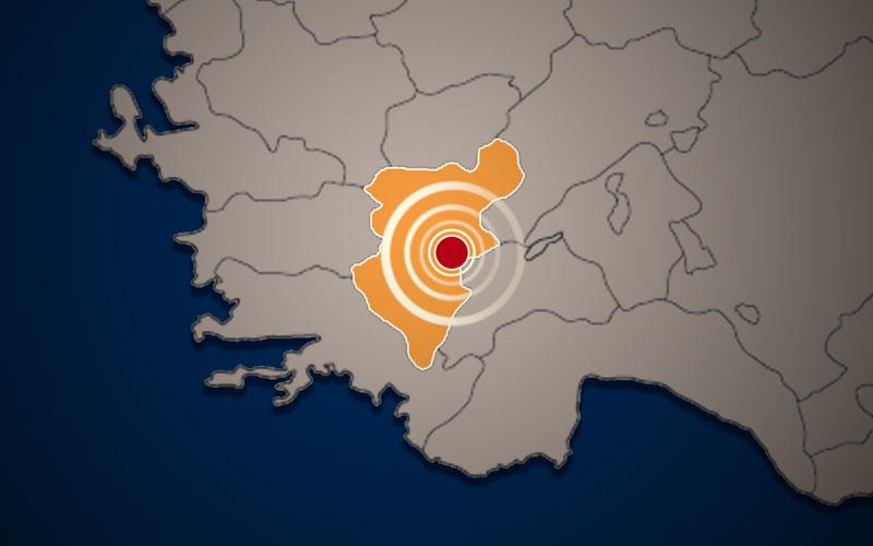 Çardak merkezli 8 deprem