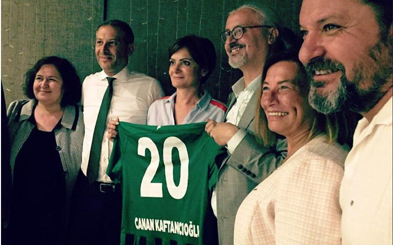 """CHP İl Örgütü'nden """"Yanındayız Canan Başkan"""" mesajı"""
