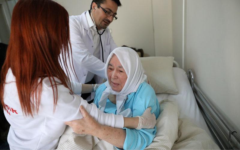 Evde Bakım ve Sağlık Merkezi binlerce vatandaşın yardımına koştu