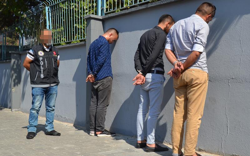 Denizli'de okul önlerinde narkotik denetimi: 3 gözaltı
