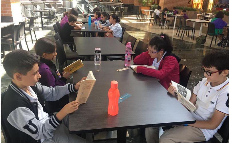 Uğur Okullarından okuma alışkanlığı için Kitap Benim projesi