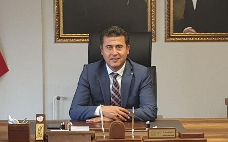 """İYİ Parti İl Başkanı Hasan Akgün, Zolan'a """"gelirin yüzde 65'i kadar borçlanma neyin gerekliliği"""" diye sordu"""