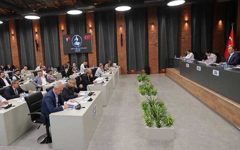 Pamukkale Belediye Meclisi'nde gergin oturum, CHP'liler terk etti