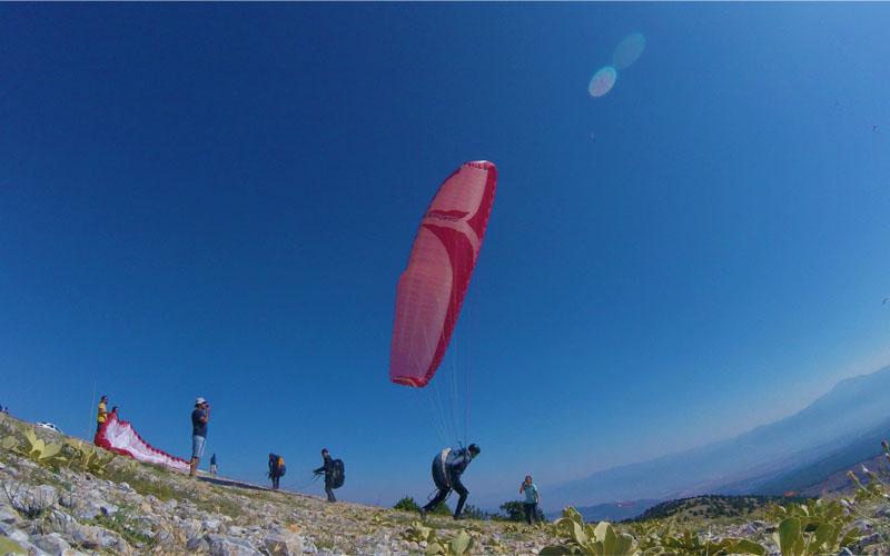 Yamaç paraşütü uçuşları için Denizli'ye geliyorlar