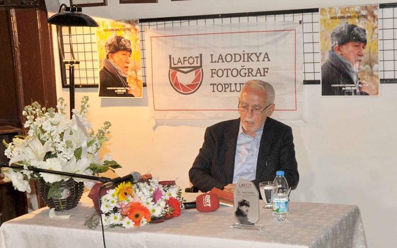 Dr. Metin Vural'dan şiir dinletisi ve imza günü