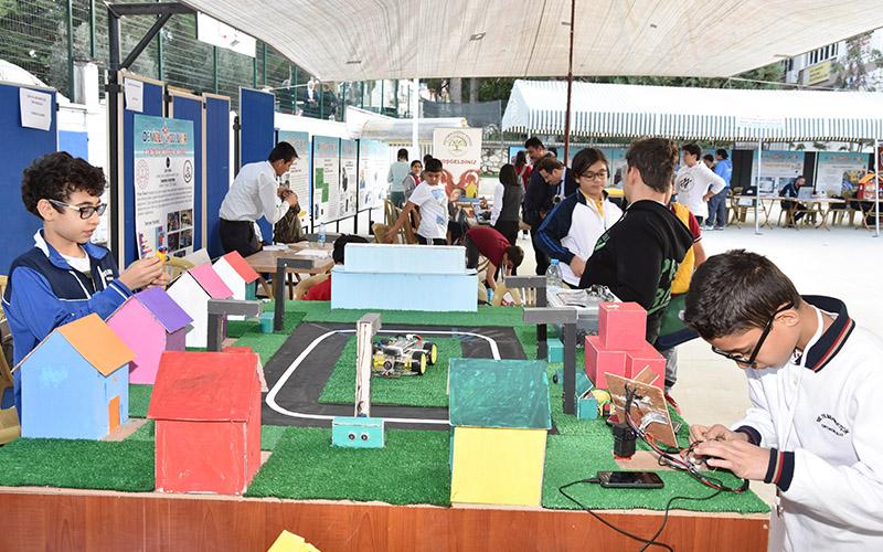 Ortaokullar arasında kodlama festivali