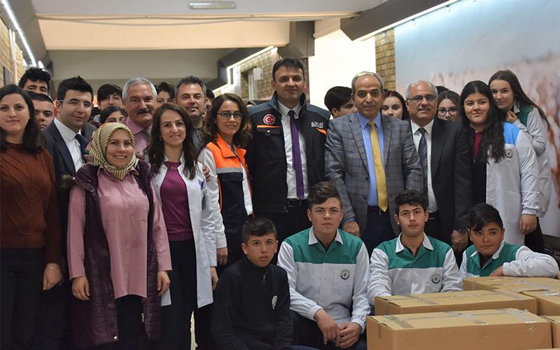 DOSTEK Koleji öğrencilerinden Elazığ'a yardım eli