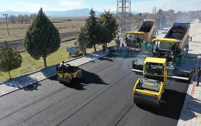 Büyükşehir'den 140'ı asfalt 260 km yol
