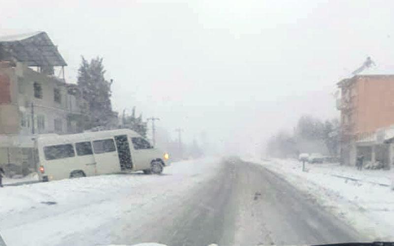 Kar yağışı etkili olurken, kaza haberleri de geliyor