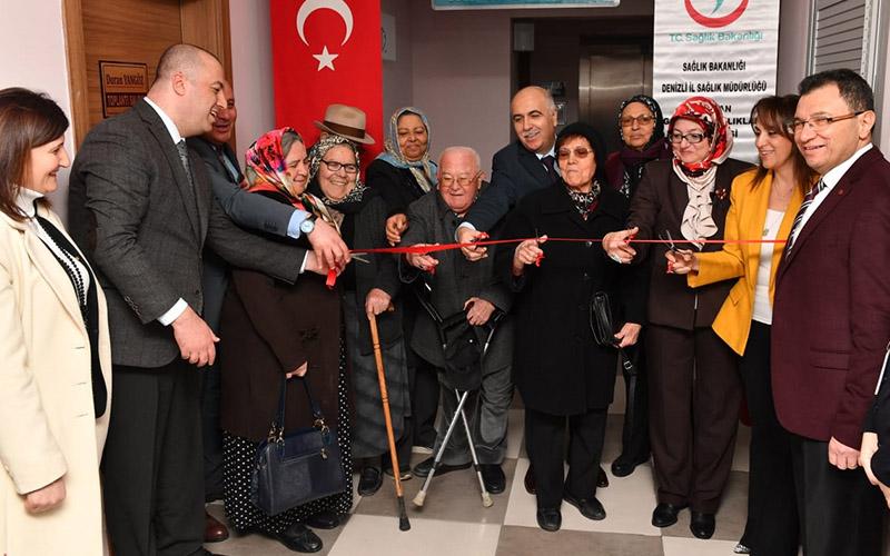 Karahan'dan Buldan'da bir dizi açılış