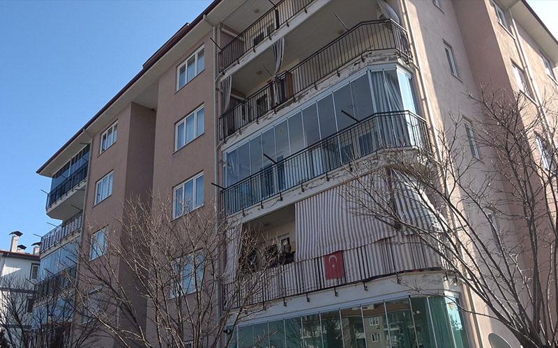 Evinde yaralı bulunan kadın hastanede öldü