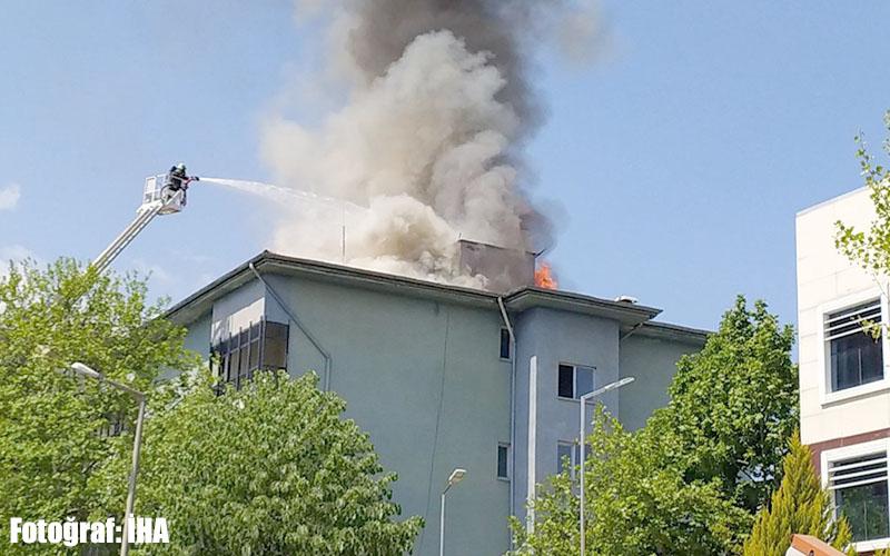 Türk Telekom binasında yangın çıktı