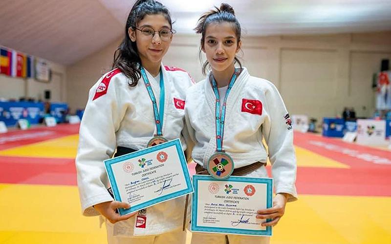 Büyükşehir Belediyesi judocuları milli takım kampında