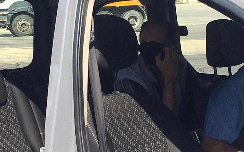 Yabancı uyruklu yolcu muavinin cep telefonunu çaldı