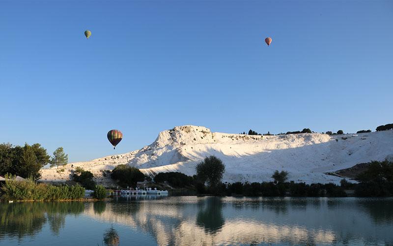 Pamukkale'de balonlar 162 gün sonra gökyüzüne yükseldi