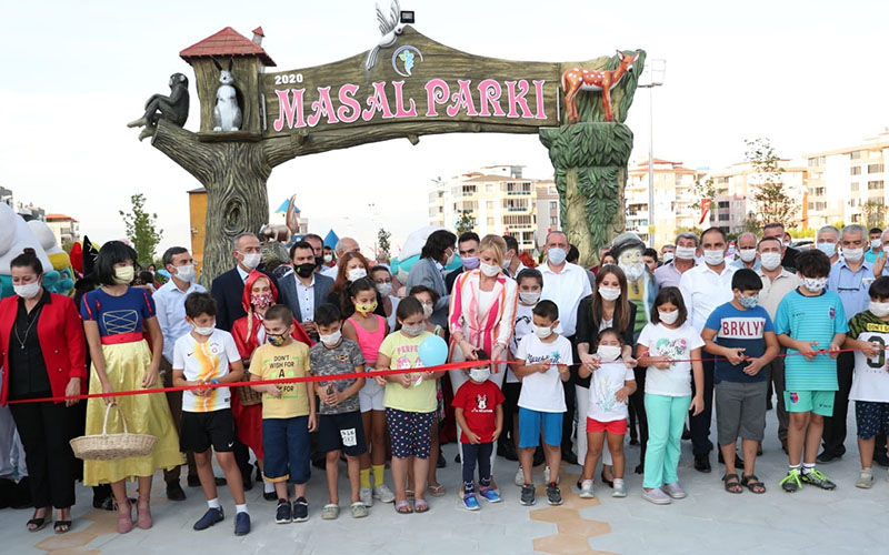 Merkezefendi Belediyesi'nden çocuklara Masal Parkı