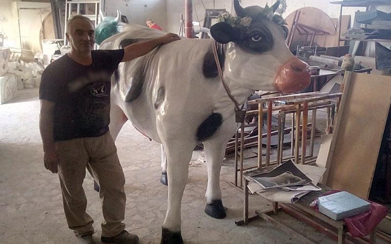 Denizli'den Avrupa'ya polyester inek ihracatı