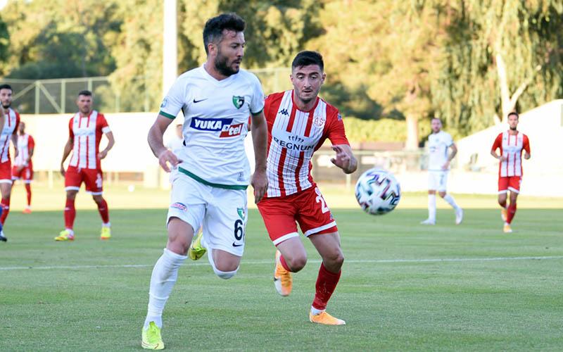 Hazırlık maçında Denizlispor ile Antalyaspor 1-1 berabere kaldı