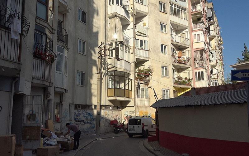 7. kattan düştü, hastane yolunda hayatını kaybetti
