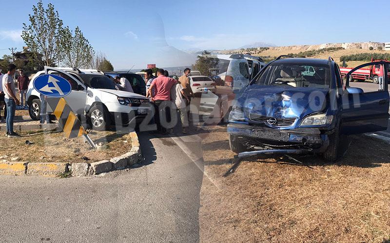 2 araç çarpışıp rüfüje çıktı, 2 kişi yaralandı