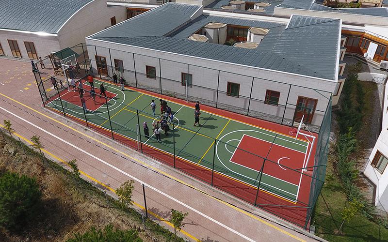 Merkezefendi Belediyesi'nden otizmli çocuklar için çok amaçlı spor sahası
