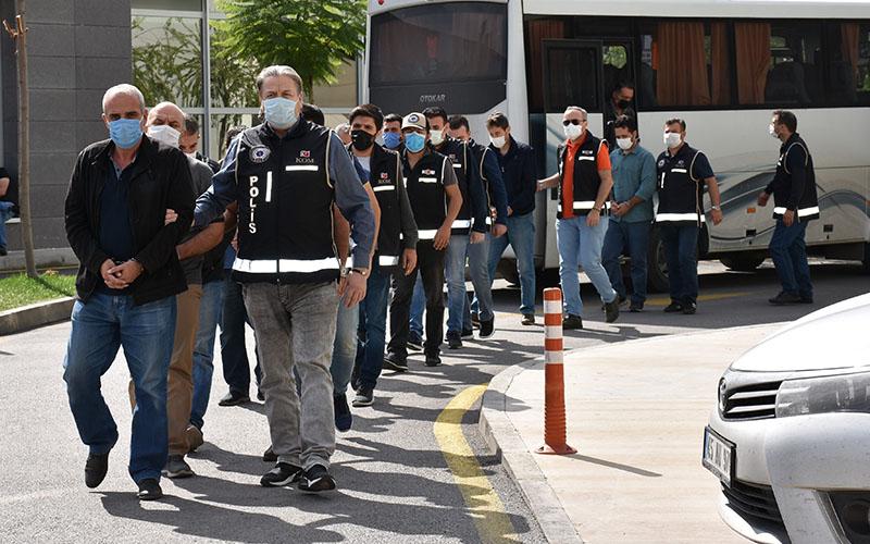 FETÖ operasyonunda 1'i eski emniyet müdürü 16 eski polis yakalandı