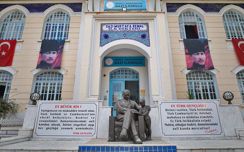 Gazi İlkokulu'nun restorasyon projesini Büyükşehir hazırlayacak