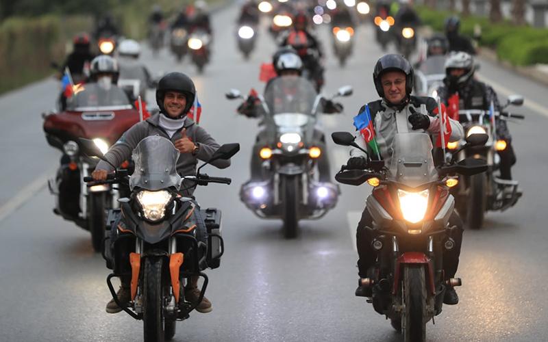 Pamukkale'de motosiklet kortejiyle Cumhuriyet kutlaması