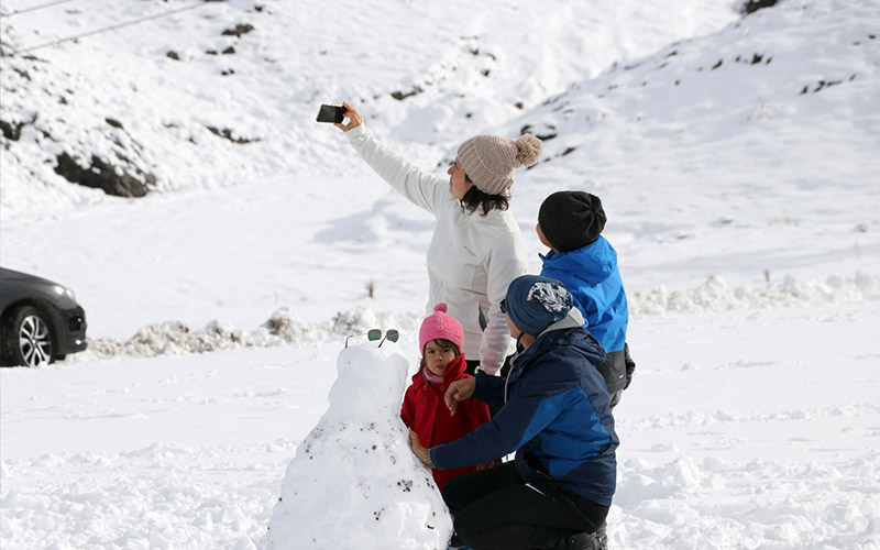 Kar keyfi için 2420 metreye çıktılar
