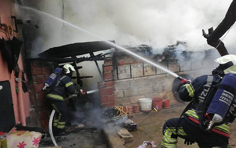 Depoda çıkan yangın iki katlı binaya sıçradı