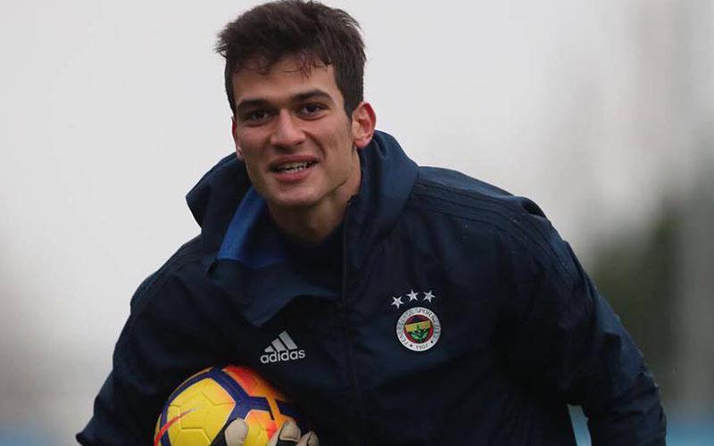 Fenerbahçe kalesinde Denizlili eldiven