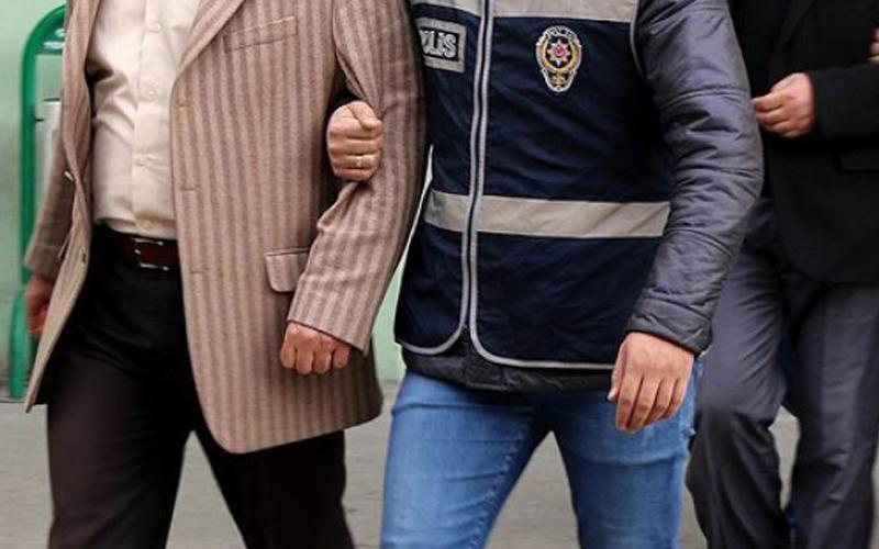 Haklarında kesinleşmiş hapis cezası bulunan 2 kişi yakalandı