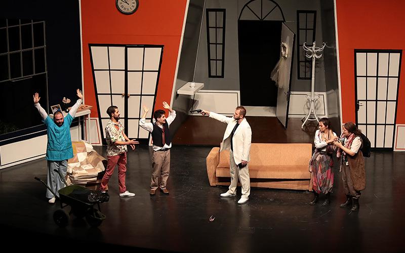 Denizli Büyükşehir Belediyesi  Şehir Tiyatrosu'na 5 ödül