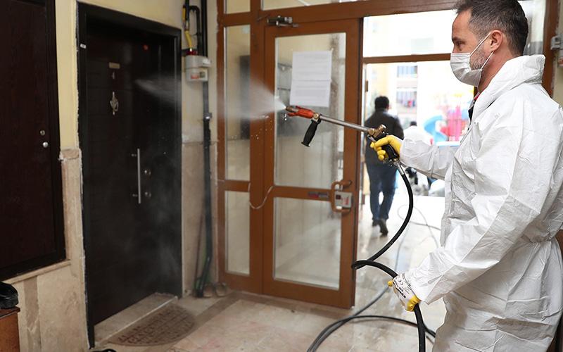 Pamukkale'de 2000'den fazla bina dezenfekte edildi