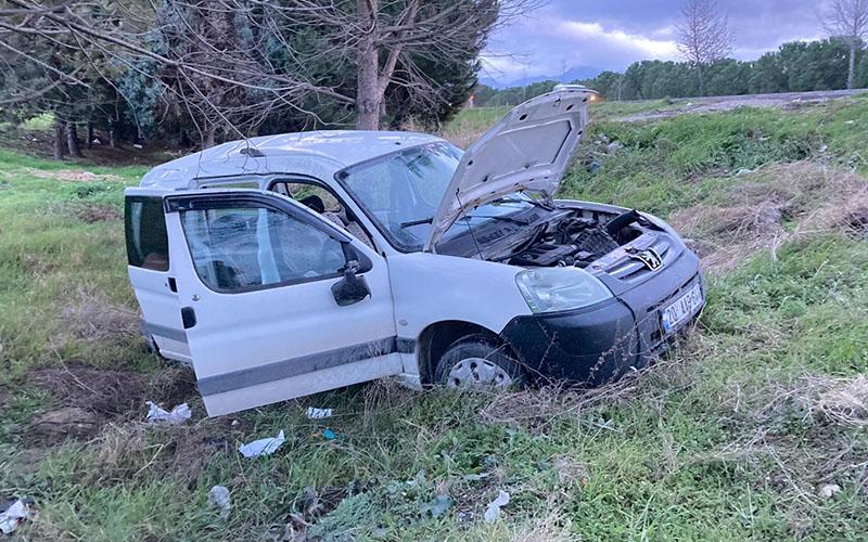Kontrolden çıkan araç takla attı, aynı aileden 6 yaralı