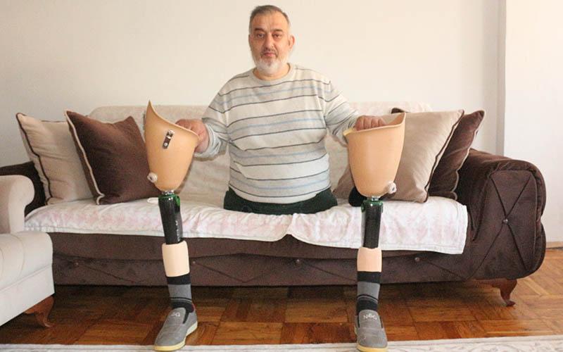 Gazi, 10 bin dolara satmadığı robot protez bacakları ihtiyaç sahiplerine bağışlayacak
