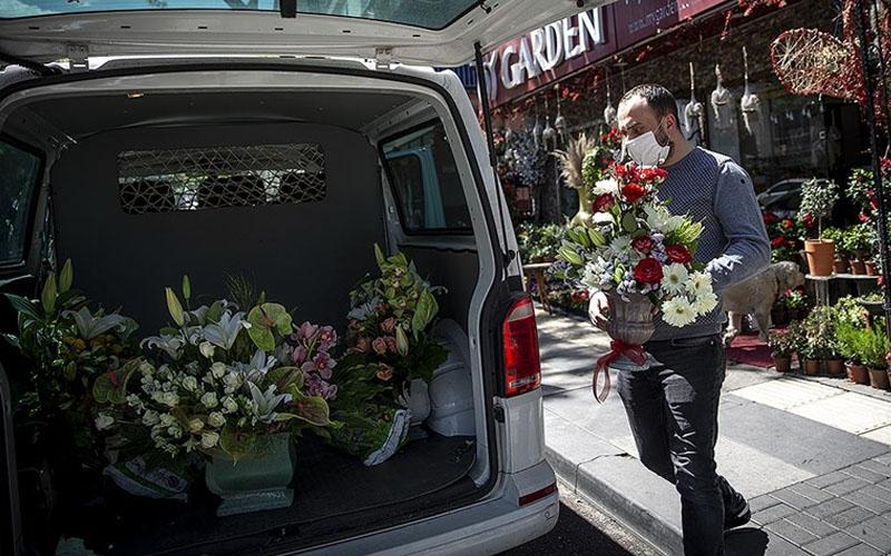 Çiçek satan iş yerlerine Sevgililer Günü muafiyeti