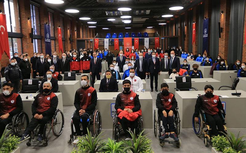 Bakan Kasapoğlu Pamukkale Belediyesini ziyaret etti