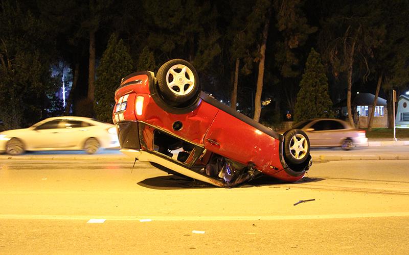 Otomobil takla attı, 2 yaralı var