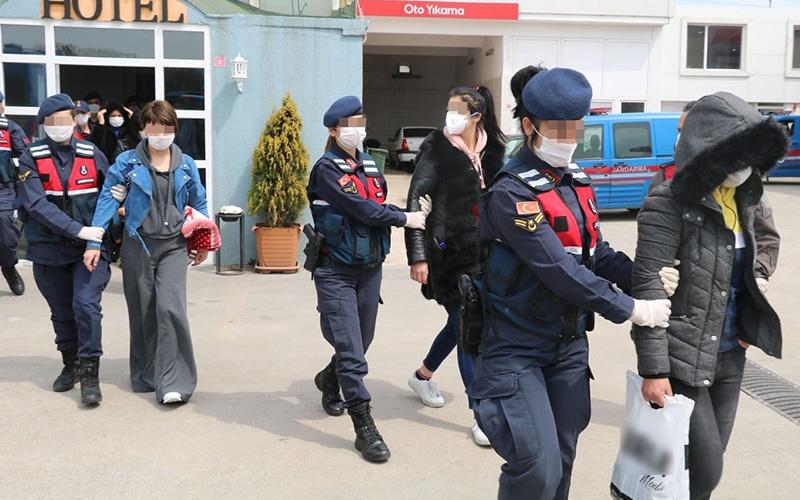 Denizli'de fuhuş operasyonunda 5 kadın yakalandı