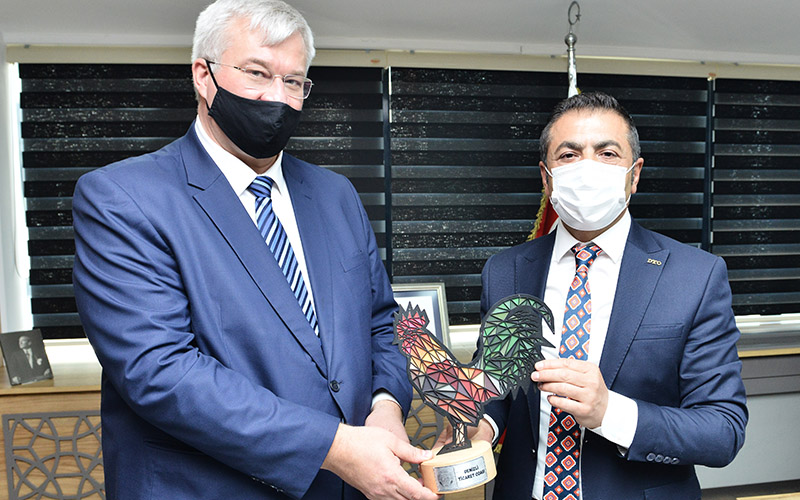 Erdoğan'dan Sybiha'ya Denizli Horozu biblosu