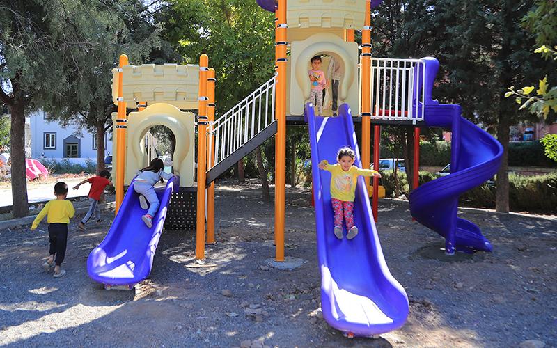 Pamukkale Belediyesi ilçede 13 yeni park alanı oluşturdu