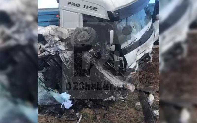 Feci kazada otomobil paramparça oldu, sürücüsü öldü